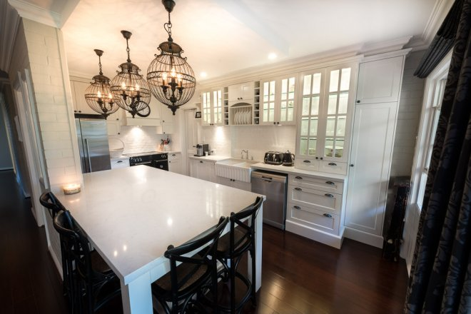 Kitchen Overall Colonial french